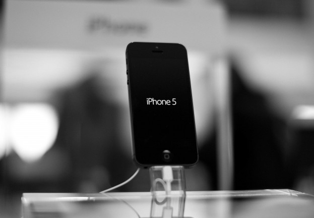 "Revealed: How a ""malicious charger"" infects iPhone with spyware in under a minute"