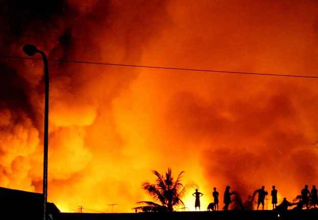 Fire engulfs Quezo in 2013 (Rex)
