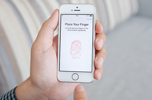 Police can make you unlock your phone with a fingerprint – judge
