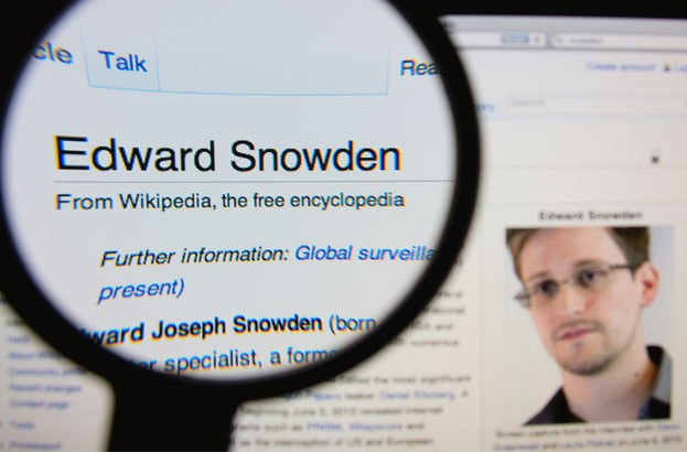 Edward Snowden doesn't use an iPhone for privacy reasons