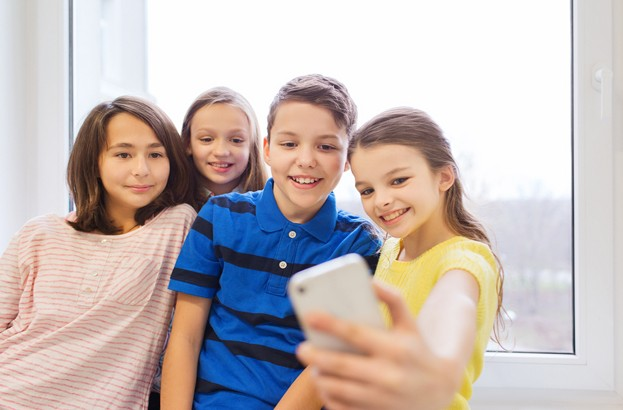 UK parents 'want minimum age for smartphone ownership'