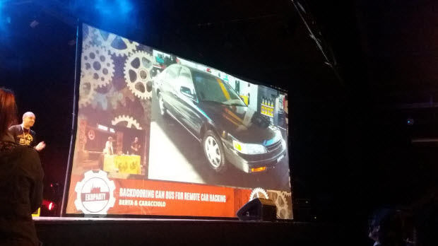 hacking de autos en ekoparty