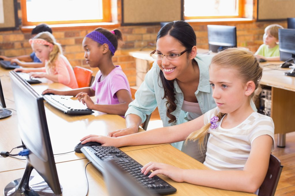 - Girls learning to code 1024x683 - How diversity in cybersecurity contributes to your company