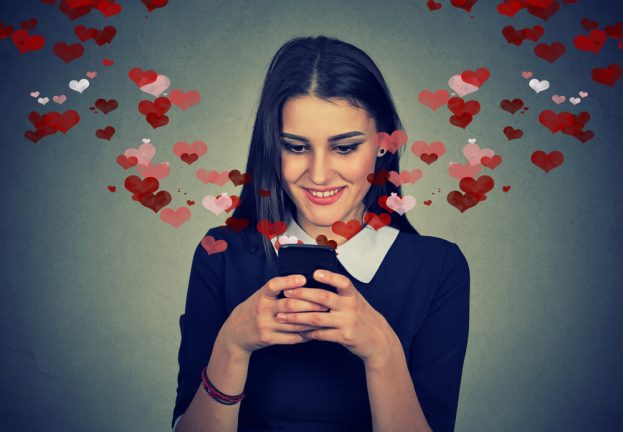 Dating apps share personal data with advertisers, study says