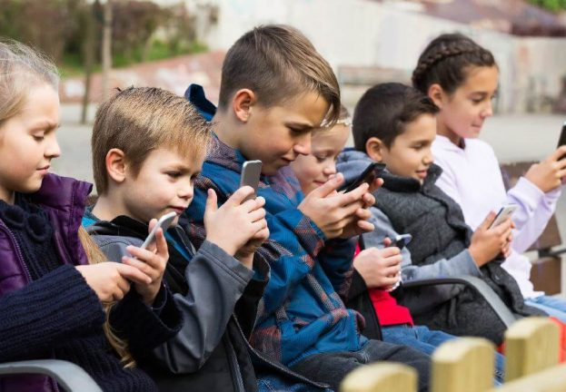 At what age should kids be able to access online services?